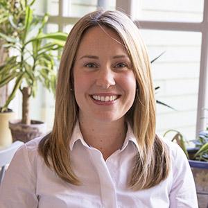Katherine Lowe Headshot